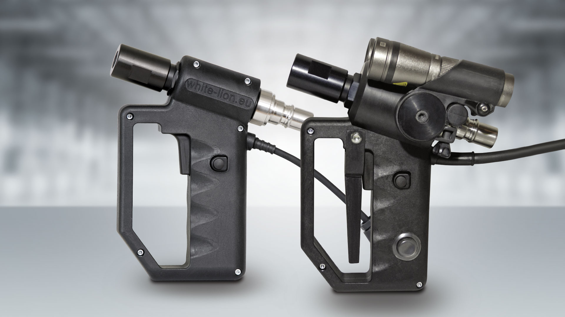 The White Lion Multi Ice Gun (left) and the White Lion Premium Ice Gun with LUMI package (right)
